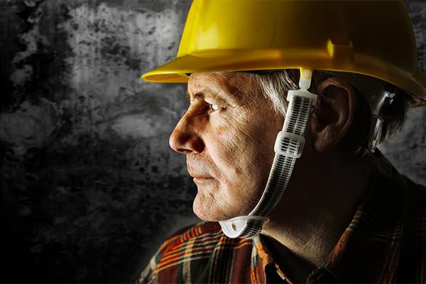 lavoratore-invecchiamento-sicurezza-salute-produttività-ambienti-lavoro-modello-sostenibile